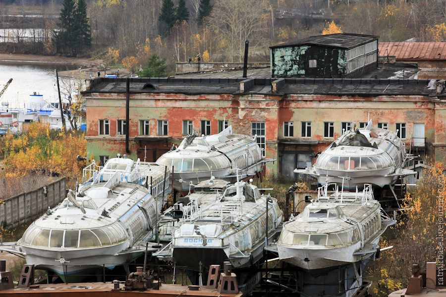 this-graveyard-contains-the-abandoned-raketas-or-rockets-that-once-plied-the-volga-and-other-great-rivers-of-the-soviet-union-during-the-cold-war-years-3
